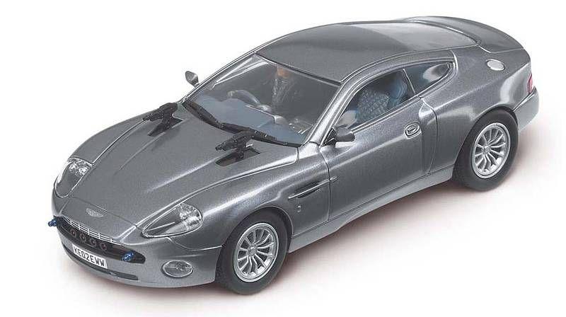 Carrera Evo Aston Martin V12 Vanquish James Bond 007