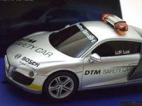 2009: Carrera D132 Audi R8 DTM Safety Car